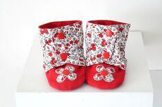 Chaussons bébé fille façon bottes, rouge fleuri, 6-9 mois : Mode Bébé par hazaliwa