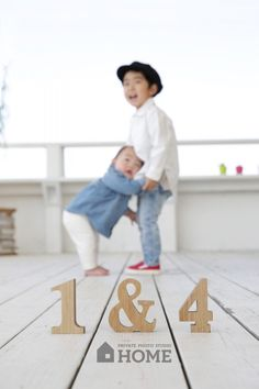 GALLERY : PRIVATE PHOTO STUDIO HOME | プライベートフォトスタジオ ホーム Balloons Photography, People Photography, Children Photography, Family Photography, Family Portraits, Family Photos, Siblings Goals, Amon, Family Photo Sessions
