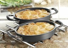Classic Scalloped Potatoes with Cheddar Cheese Topping