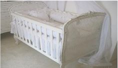Pinned from http://niteroi.olx.com.br/poltrona-luis-xv-e-moveis-provencal-iid-473007576.