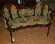 http://www.franceera.com/Sofa/French_Antique_Sofa_12_g.htm
