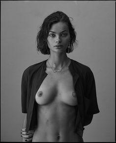 fille les seins et la chatte dita von teese nus