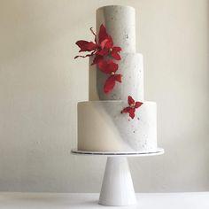 Glamorous Wedding Cakes, Wedding Cake Red, Wedding Cake Designs, Wedding Stuff, Beautiful Cake Designs, Beautiful Cakes, Amazing Cakes, Cupcakes, Cupcake Cakes