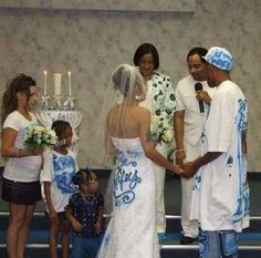 """Nothin' says """"classy"""" like an air-brushed wedding (more funny wedding pics on site)."""