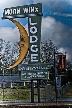 Moon Winx Lodge (Tuscaloosa, AL)