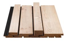 SKYLINE Kontrast mit vier Profilbretter in verschiedenen Breiten und Tiefen Cladding Design, House Cladding, Timber Cladding, Exterior Cladding, Facade House, House Facades, Timber Wall Panels, Timber Battens, Timber Walls