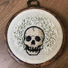 Een persoonlijke favoriet uit mijn Etsy shop https://www.etsy.com/nl/listing/526294690/embroidery-hoop-speak-no-evil