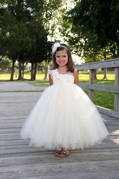 Elegant Ivory flower girl tutu dress, Flower girl dress, tutu dresses, headband, Ivory Wedding