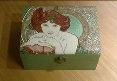 Scatola in legno dipinta a mano. Cofanetto Alphonse Mucha. Portagioie dipinto a mano. Alphonse Mucha Smeraldo. By ArteDiBibi #italiasmartteam #etsy