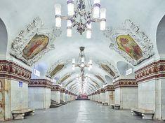Galeria de A beleza das estações de metrô de Moscou, pelas lentes de David Burdney - 9