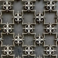 Great pattern for embroidery Window Grill Design, Wrought Iron Doors, Door Detail, Steel Art, Iron Work, Iron Gates, Iron Decor, Gate Design, Metal Crafts