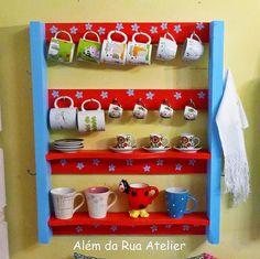 Como reciclar pallet e transformá-lo em prateleira Pinterest Pallets, Palette, Pallet Shelves, Pallet Art, Pallet Ideas, Diy Wood Projects, Pallet Furniture, Decoration, Cool Kitchens