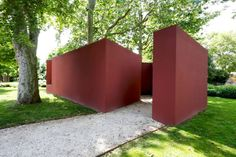 Installation at Giardino delle Vergini. Contemporary Architecture, Pavilion, Venice, Planter Pots, Projects, Cultural Center, Google, Atelier, Log Projects