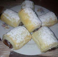 Lekváros hamis hájas, **Katt a képre, ha érdekel a receptje is** Hungarian Recipes, Vegan Sweets, Winter Food, Bakery, Dessert Recipes, Food And Drink, Cheese, Snacks, Cookies