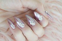 girly, girly nails, mermaid nails, pearl nails,