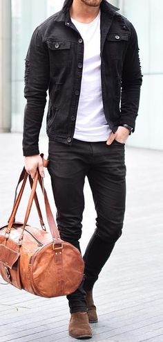 Männer outfit Why So Many People Are Identity Theft Victims Article Body: So many people out there t Stylish Mens Outfits, Casual Outfits, Men Casual, Fashion Outfits, Brown Leather Jacket Men, Black Denim Jacket Outfit, Black Jeans, Men's Leather, Leather Jackets
