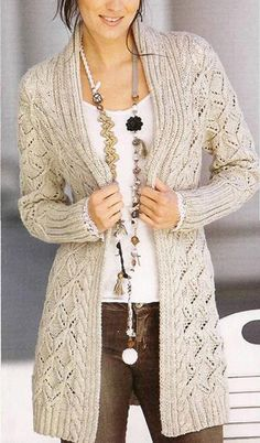 Womens Hand Knit Womens Hand Knit Always wanted to figure out how to knit, although not certain how to start? Cardigans For Women, Coats For Women, Clothes For Women, Knitting Patterns Free, Hand Knitting, Free Pattern, Crochet Cardigan, Knit Crochet, Crochet Shoes Pattern