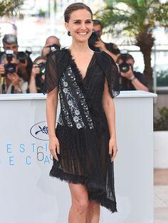 Natalie Portman Cheekily Shows Off Her Underwear in Daring Dress at Cannes http://stylenews.peoplestylewatch.com/2015/05/17/natalie-portman-cheekily-shows-off-her-underwear-in-daring-dress-at-cannes/