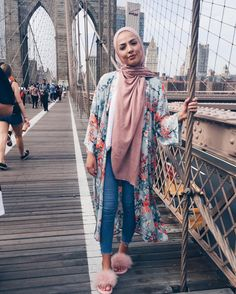 kimono hijab style-Beautiful modest Fashion Style – Just Trendy Girls Hijab Fashion Summer, Modern Hijab Fashion, Muslim Women Fashion, Islamic Fashion, Modest Fashion, Style Fashion, Fashion Muslimah, Abaya Fashion, Kimono Hijab