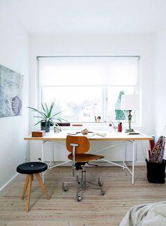 Home office ideas Hippie Home Decor, Retro Home Decor, Diy Interior, Interior Decorating, Interior Design, Entryway Decor, Office Decor, Office Ideas, Entrance Decor