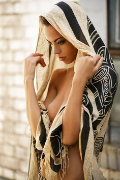 dreaming-glamour-girls: Model: Dorka Banki...
