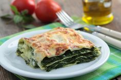 Spinach Lasagna Recipe – Are you ready for cheese hearty dish spinach lasagna you will love to make it. It is simply delicious and yum dish. Spinach lasagna with three types of cheese and herbs, layered with red sauce and noodles. Tofu Lasagna, Spinach Lasagna, Lasagna Noodles, Healthy Lasagna, Eggplant Lasagna, Vegetarian Recipes, Cooking Recipes, Healthy Recipes, Lasagna Recipes