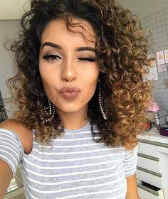 "10.3k Likes, 99 Comments - Juliana Louise (@jujubamakeup) on Instagram: ""Booooom dia #jujubasdaju ✨Liberei uma hidratação caseira maaara lá no canal, já viu?! …"""