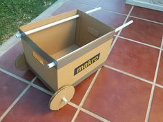Rather than buying a cheaply made toy wheelbarrow for his toddler son, Alfonso made his own out of cardboard, in 5 minutes.