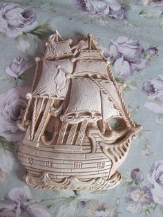 Ancien Navire de corsaire en plâtre par Roselynn55 sur Etsy
