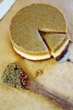 Tahini Cheesecake mit Sesam Karamell Topping