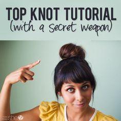 Utilisez une chaussette pour donner plus de volume à votre chignon.   19 chignons jolis et faciles à réaliser