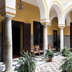 Moorish courtyard by Eva Tsang
