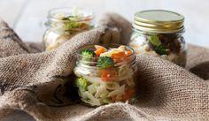 #parsakaali #pastasalaatti #piknik #vappu #maajakotitalousnaiset #ruokaneuvot Fresh Rolls, Tacos, Ethnic Recipes, Food, Meals
