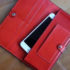 Custom wallet. #leather #leathercrafter #card #cardcase #cardwallet #wallet…
