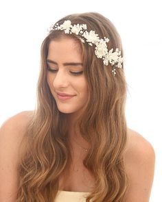 Rustic Daisy Floral Hair Vine with Pearls, Beaded Woodland Wedding Hair Halo Flower Crown Boho Wedding Bridal Hair Wreath This wedding floral hair vine features daisies and pearls It is all hand wired to and is perfecter a boho wedding or photo prop. It can either sit on top of your