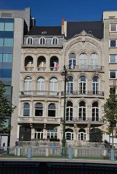 Des vrais chefs-d'oeuvre en façade, Brussels