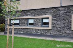 Toce en Blumone steenstrips van Geopietra in de kleur GP. Wall Cladding, Ramen, Garage Doors, Construction, Patio, Outdoor Decor, Modern, Home Decor, Wolf