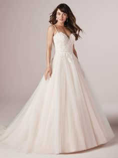Rebecca Ingram - POPPY, Treat yourself to this perfectly flattering A-line wedding dress. This breath of fresh air. This inspiration in sparkle and lace. It's everything a romantic affordable gown should be. How To Dress For A Wedding, Cheap Wedding Dress, Designer Wedding Dresses, Bridal Dresses, Wedding Gowns, Prom Dresses, Tulle Wedding, Formal Dresses, Blush Gown