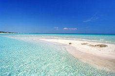 Le spiagge più belle della Puglia: il Salento - Dalla Baia dei Turchi a Torre Lapillo, una curva di sabbia e mare cristallino tra Adriatico e Ionio: approdi lunari, scogliere, grotte mitiche