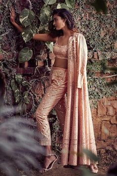 Saree Gown, Lehnga Dress, Gown Skirt, Skirt Set, Indian Ethnic Wear, Pants Pattern, Long Jackets, Pakistani Dresses, Designer Collection