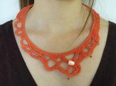 Collana all'uncinetto freeform. Freeform crochet necklace.