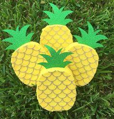 Mini pineapple piñata favors #pineapplepinata #minipinata #minipiñata
