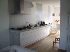 Keuken by huisje aan de haven, via Flickr
