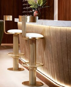"""36 Me gusta, 5 comentarios - Ligné Group (@thelignegroup) en Instagram: """"Obsessing over these slim and sleek @essential_home bar stools this Wednesday!"""""""