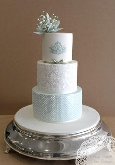 another Faye Cayhill... i so have a crush on her cakes! :)