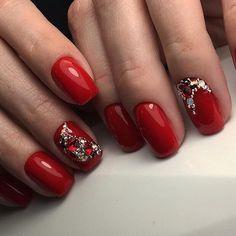 Фотография Rhinestone Nails, Red Nails, Rhinestones, Health And Beauty, Christmas Manicure, Red Toenails, Red Nail, Gems