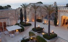 The best hotels in Majorca, chosen by our expert, including luxury hotels, cheap hotels and family-friendly hotels. Read the reviews and book them here at the lowest prices.