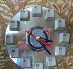 recycling and diy design ideas for modern wall clocks