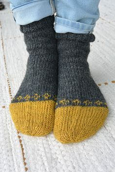 NONNU Wool Socks, Knitting Socks, Mitten Gloves, Mittens, Lots Of Socks, Sock Toys, Ladies Gents, Leg Warmers, Scarfs