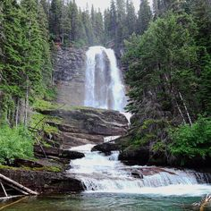 It's Waterfall Wednesday! These are Virginia Falls in Glacier National Park Montana (2016) . . #waterfallwednesday #waterfallhike #virginiafalls #glaciernps #nationalpark #montana #igerscz #hikingtrails #hikingadventures #hikinglife #hikerslife #hikingculture #hikingtrip #naturelovers #naturepics #natureview #outdoorlife #outdoorslife #wildernessquest #waterfallsfordays #travellove #gaytravel #roadtripusa #exploremontana #exploreusa #nps #discoverglobe #adventurelife #waybackwednesday…